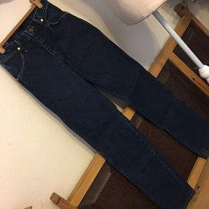 Wrangler dark indigo classic cowboy cut jeans 7x34